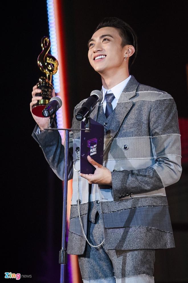 Min va Soobin Hoang Son thang lon o Zing Music Awards 2017 hinh anh 33