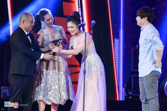 Min va Soobin Hoang Son thang lon o Zing Music Awards 2017 hinh anh 23