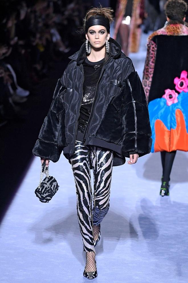 Nhung nguoi mau thong tri san dien New York Fashion Week 2018 hinh anh 5