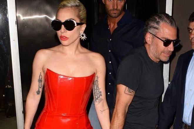 Khong con mac di, Lady Gaga vao nhom sao dep tuan hinh anh