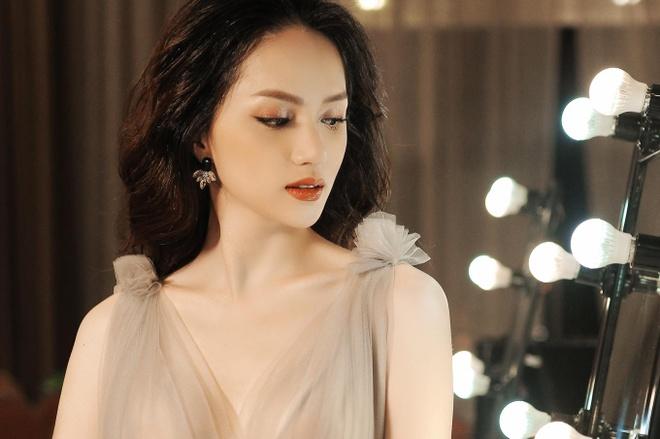 Huong Giang Idol bi nha thiet ke to khong chuyen nghiep, thieu y thuc hinh anh