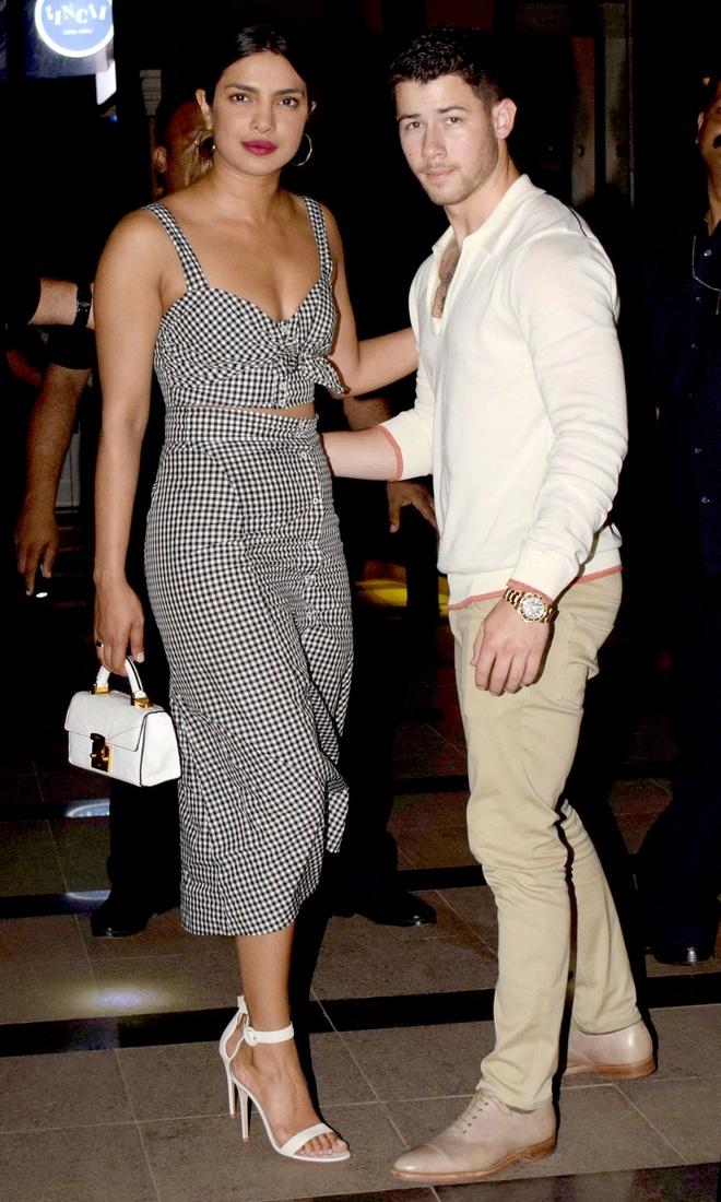 Nick Jonas hen ho hoa hau Priyanka Chopra anh 4