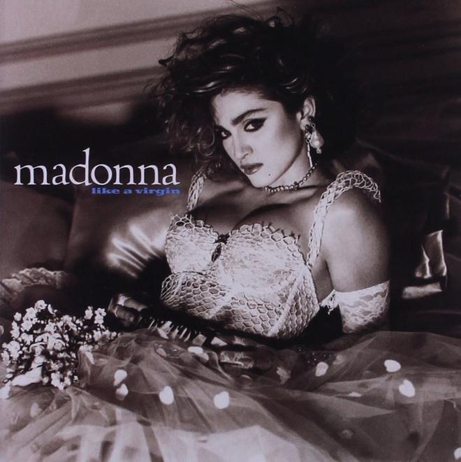 'Huyen thoai' Madonna va cau chuyen mac ao nguc len san khau hinh anh 4
