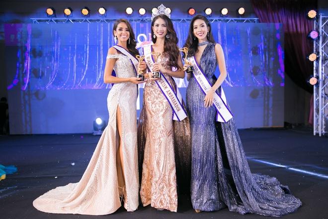 Phan Thi Mo dang quang Hoa hau Dai su Du lich The gioi 2018 hinh anh 1
