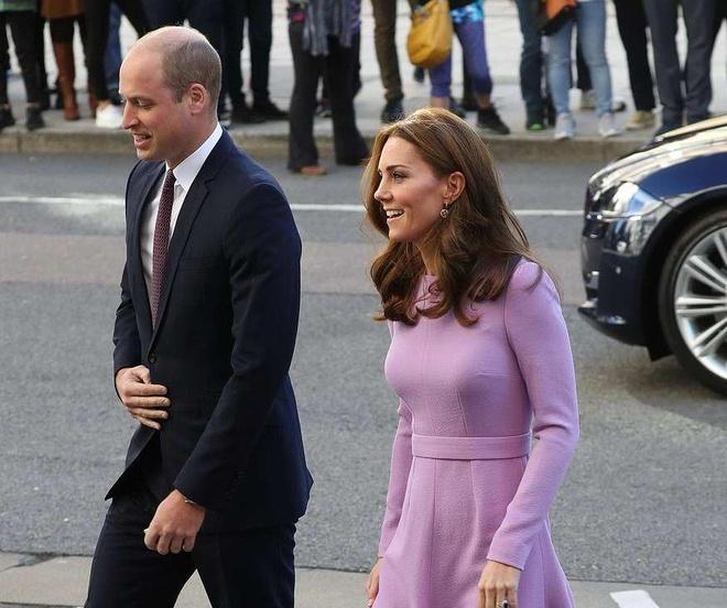 Thoi quen mac lai vay cu cua cong nuong Kate Middleton hinh anh