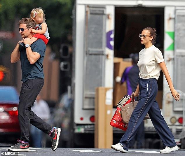 Sieu mau Irina Shayk va tai tu Bradley Cooper khong hanh phuc? hinh anh 1