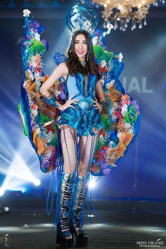 Ao dai cua Phuong Nga vao top 10 trang phuc truyen thong Miss Grand hinh anh 4