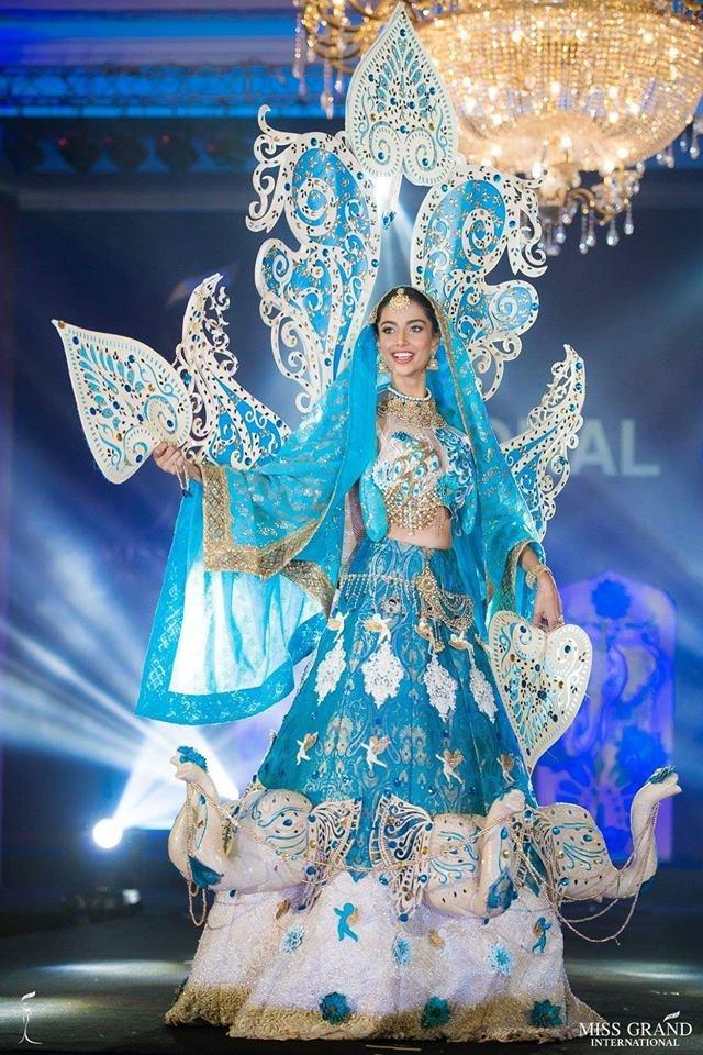 Ao dai cua Phuong Nga vao top 10 trang phuc truyen thong Miss Grand hinh anh 9