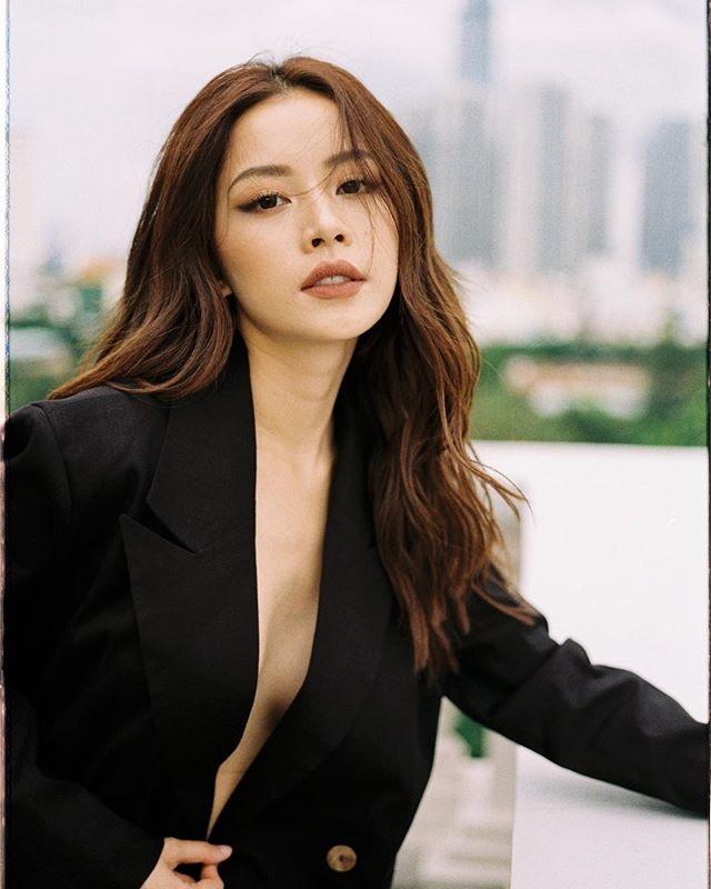 Phong cach thoi trang ngay cang theo huong sexy cua Chi Pu hinh anh 7