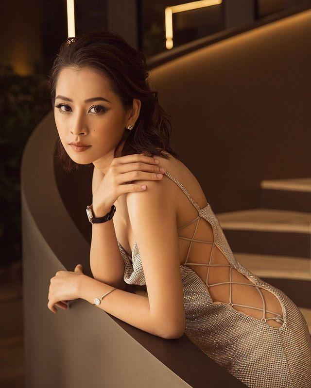 Phong cach thoi trang ngay cang theo huong sexy cua Chi Pu hinh anh 2