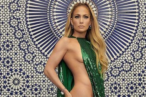 Jennifer Lopez mac tao bao gay tranh cai hinh anh