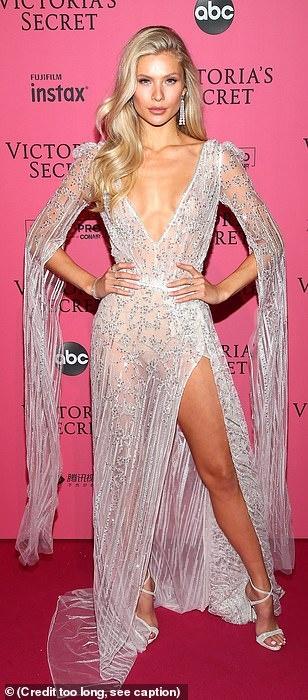 Bella Hadid dien mot khong noi y du tiec Victoria's Secret Show hinh anh 16