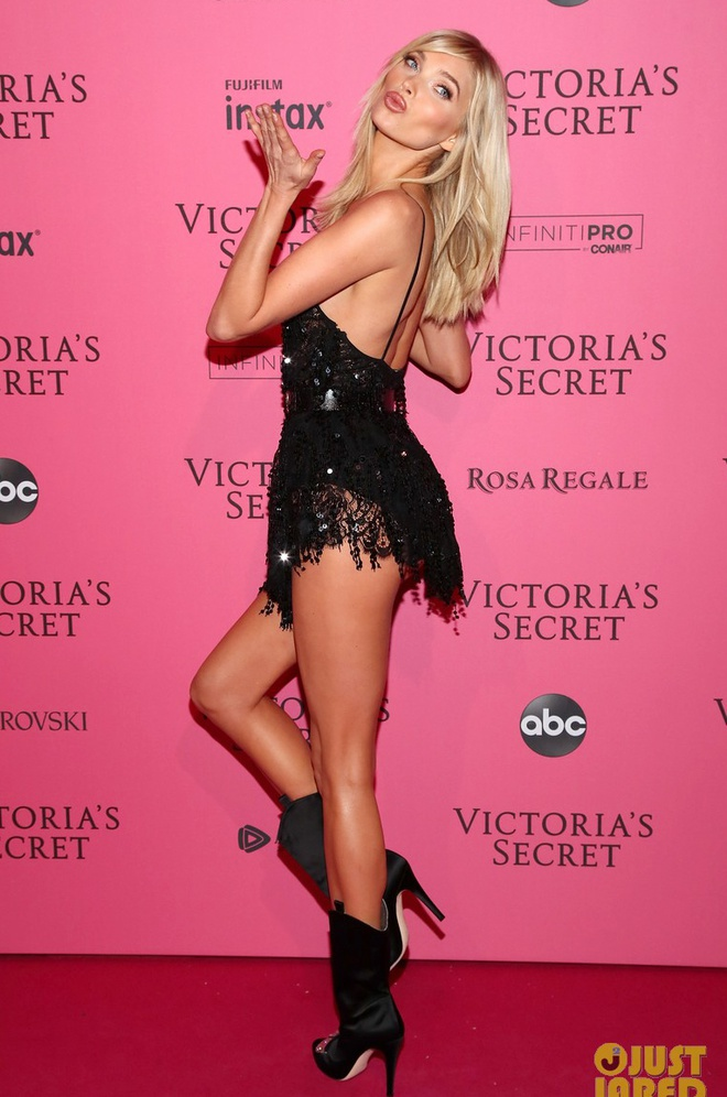 Bella Hadid dien mot khong noi y du tiec Victoria's Secret Show hinh anh 9