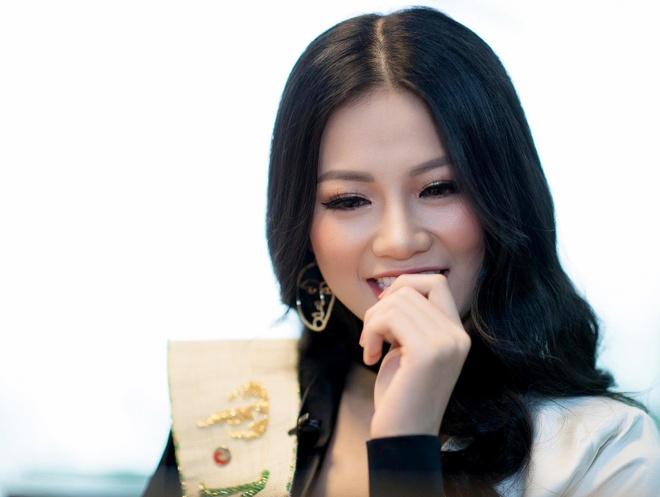 Hoa hau Phuong Khanh: Tai sao hinh anh xau di vi choi voi Ngoc Trinh? hinh anh