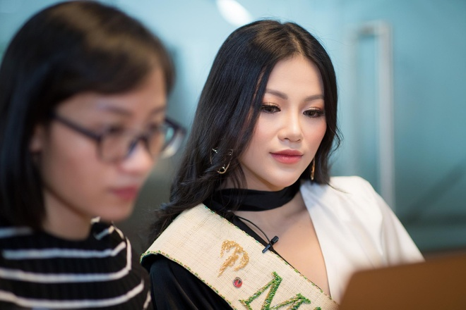 Hoa hau Phuong Khanh: Khong vi tin don ma ngai nhac Chiem Quoc Thai hinh anh