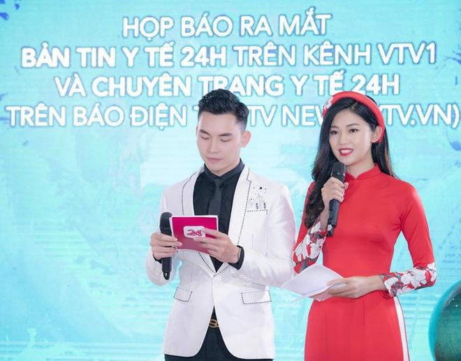 Dan hoa hau, a hau Viet o at lan san lam MC truyen hinh hinh anh 9