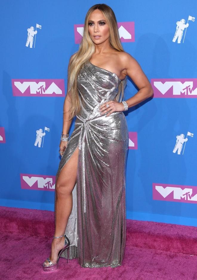Nhung bo canh nong bong nhat cua ngoi sao 50 tuoi Jennifer Lopez hinh anh 7