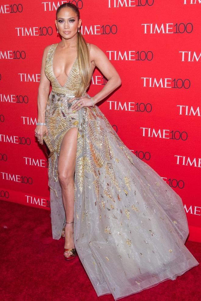 Nhung bo canh nong bong nhat cua ngoi sao 50 tuoi Jennifer Lopez hinh anh 2