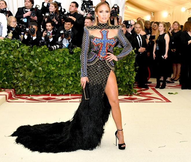 Nhung bo canh nong bong nhat cua ngoi sao 50 tuoi Jennifer Lopez hinh anh 4