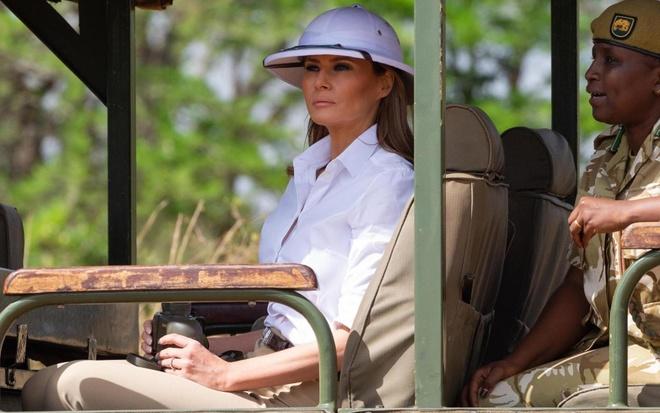 Tranh cai ve thoi trang bua vay De nhat phu nhan My Melania Trump hinh anh
