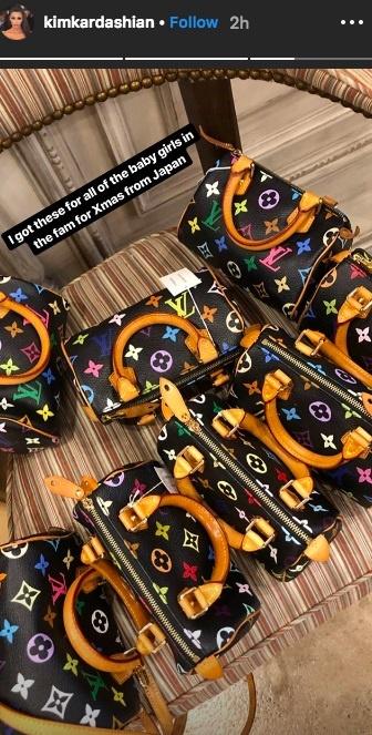 Kim Kardashian chi hàng nghìn USD mua túi hiệu tặng con và các cháu - Ảnh 1