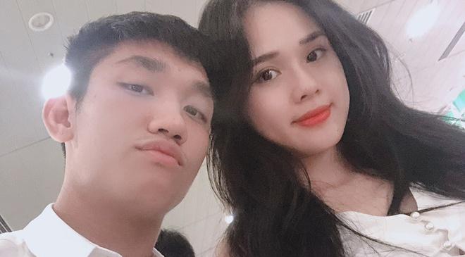 Ban gai Trong Dai U23: 'Gia dinh, ban trai phan doi di thi hoa hau' hinh anh