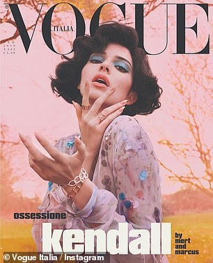 Kendall Jenner khoe dang nhay cam tren tap chi Vogue hinh anh 2