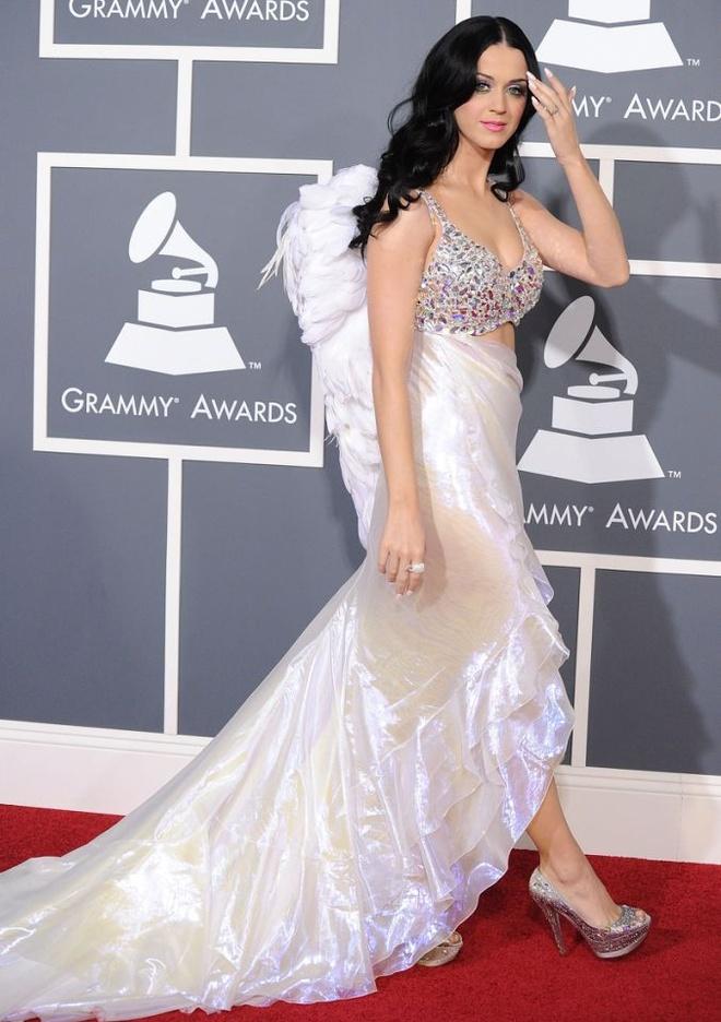 Nhung bo canh gay xon xao tham do Grammy qua cac nam hinh anh 5