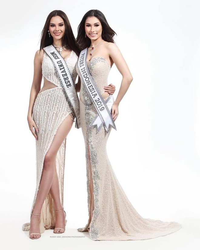 Duong kim Hoa hau Hoan vu than thai cuon hut lan at Hoa hau Indonesia hinh anh 1