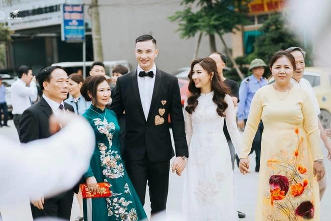 Nhan sac con gai 'bau De' CLB Thanh Hoa vua lay chong nguoi mau hinh anh 1