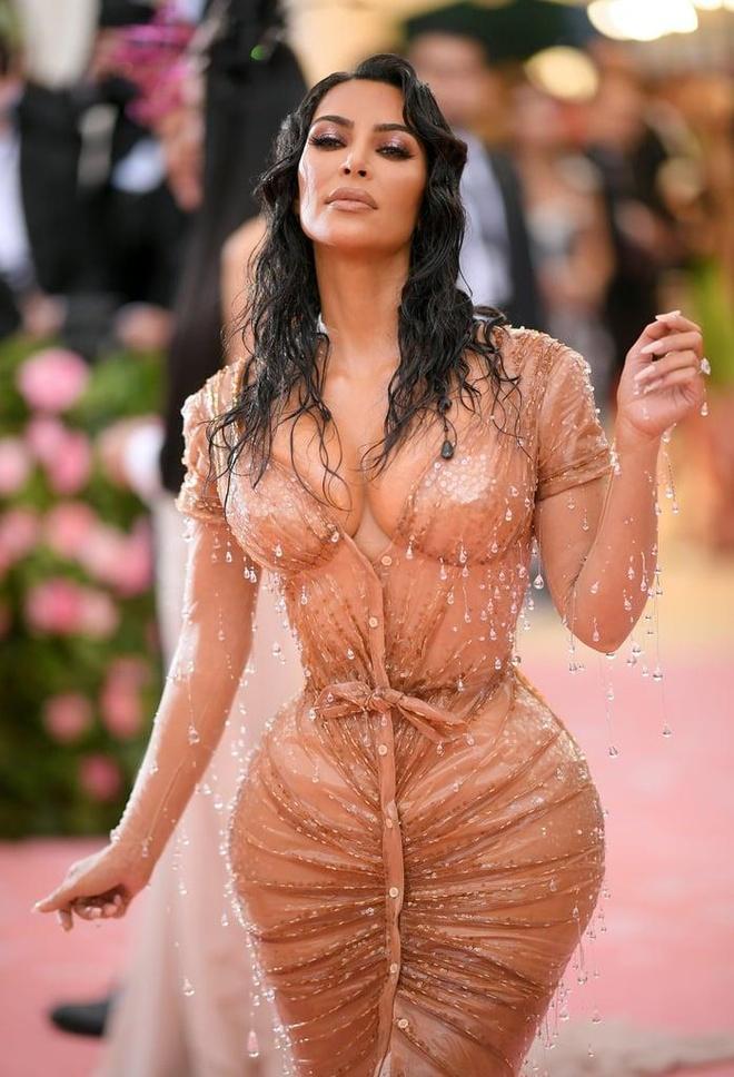 Kim Kardashian vay bo sat anh 2