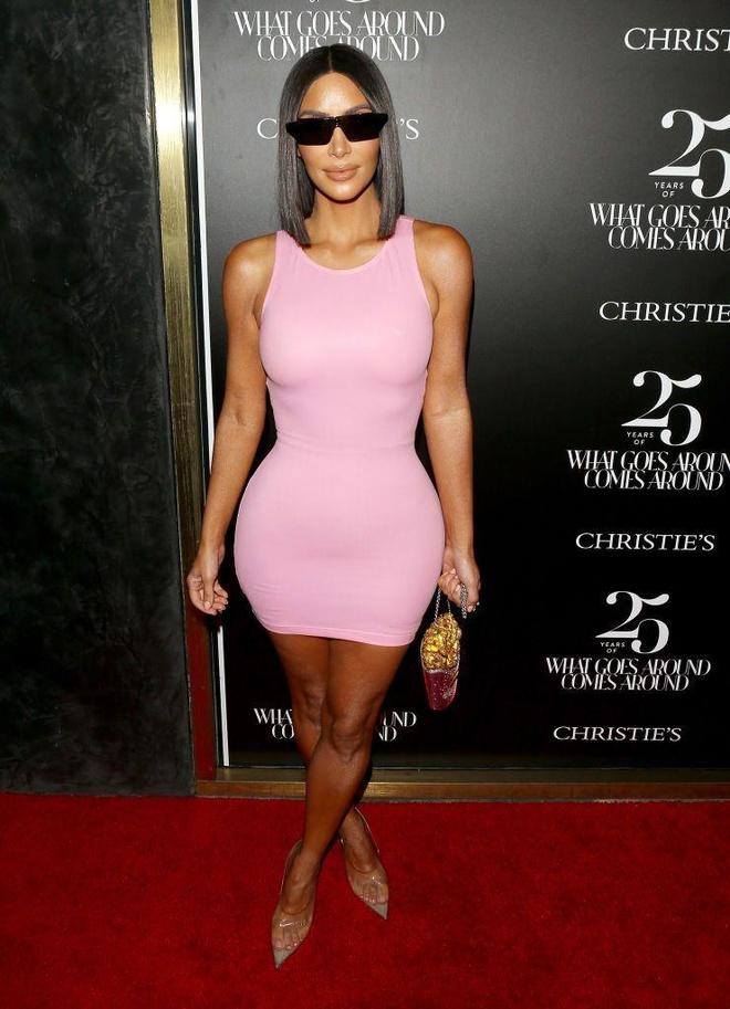 Kim Kardashian vay bo sat anh 7