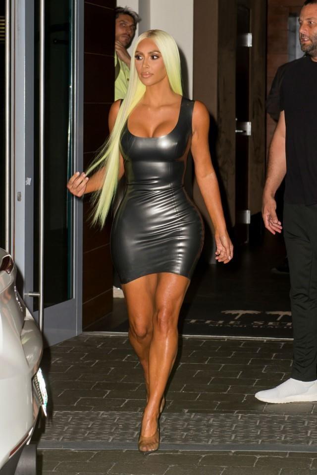 Kim Kardashian vay bo sat anh 6