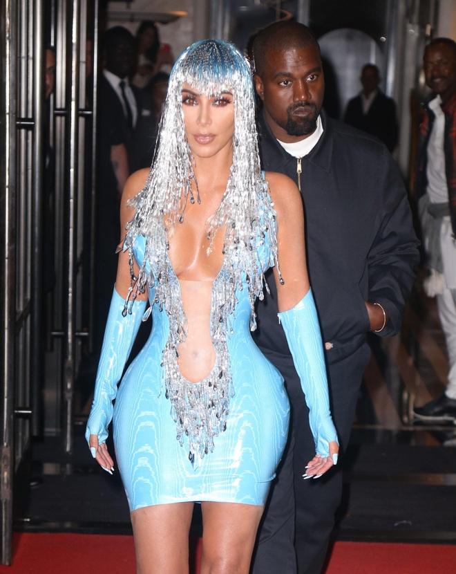Kim Kardashian vay bo sat anh 3