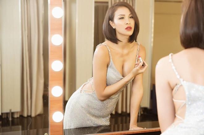 MC Phương Mai thích mặc sexy, không ngại đăng ảnh táo bạo