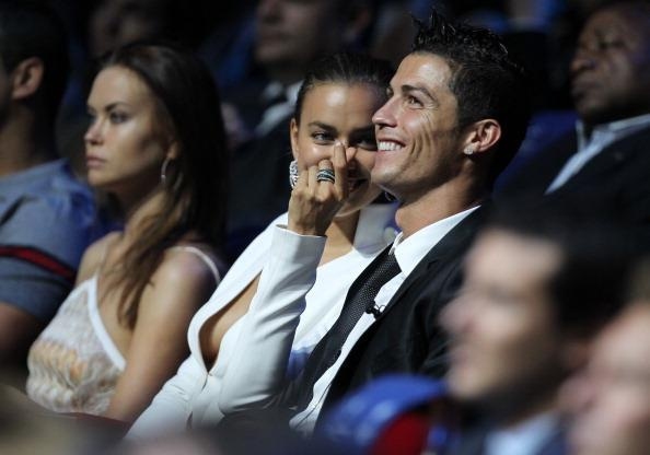Irina Shayk - 5 nam yeu Ronaldo va 4 nam ben Bradley Cooper deu tan vo hinh anh 5