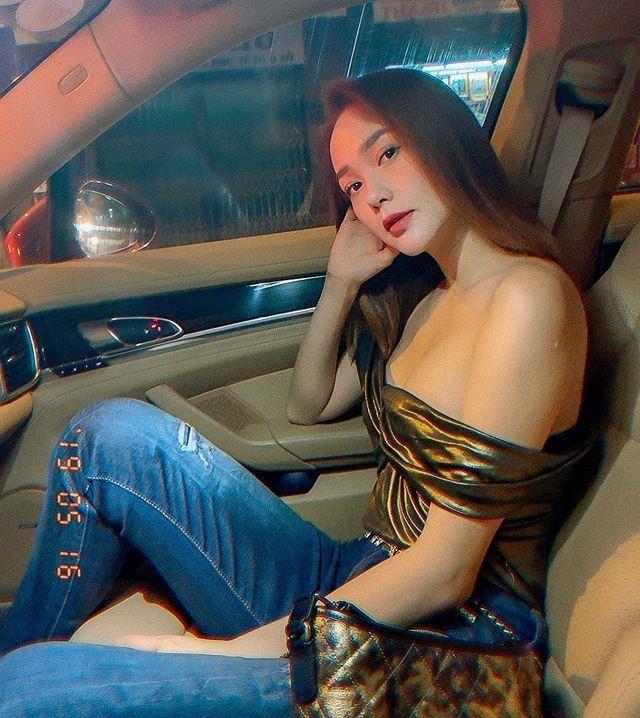 My nhan Viet lang xe ao hai day, ao tre vai ngay nang nong hinh anh 3