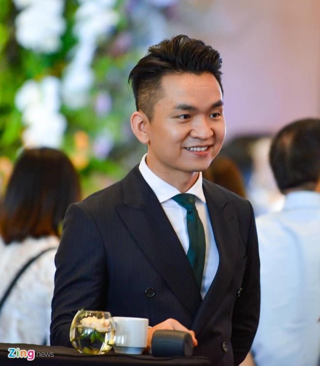 Dan sao Viet du cuoi MC Phi Linh tai Ha Noi hinh anh 13