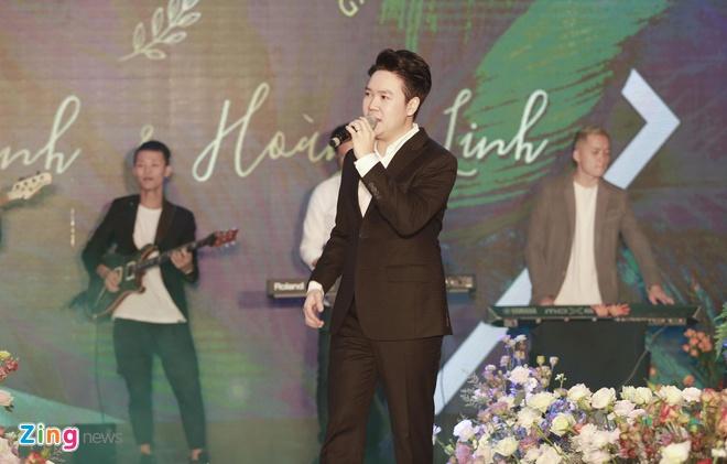 Dan sao Viet du cuoi MC Phi Linh tai Ha Noi hinh anh 5