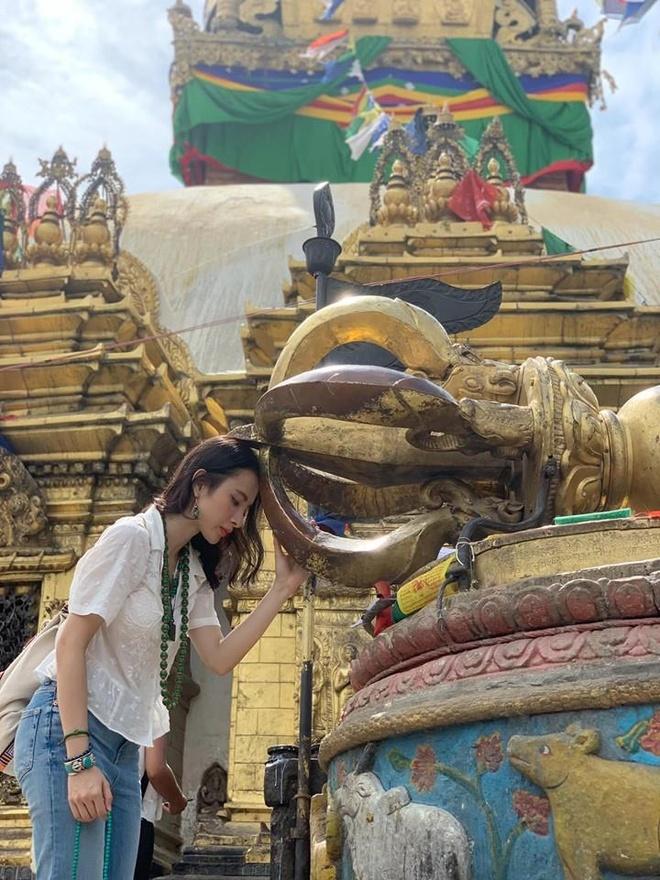 Angela Phuong Trinh tu thien anh 2