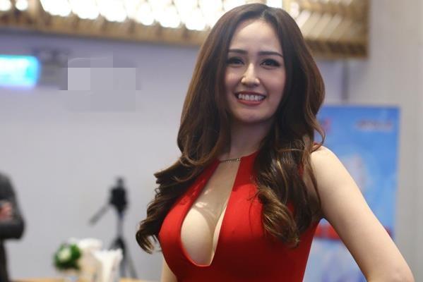 Mai Phuong Thuy: 'Toi beo qua nen khong sexy duoc' hinh anh