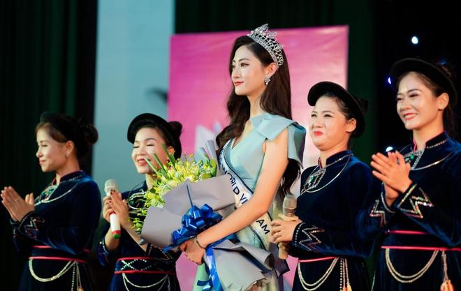 Hoa hau Luong Thuy Linh anh 4
