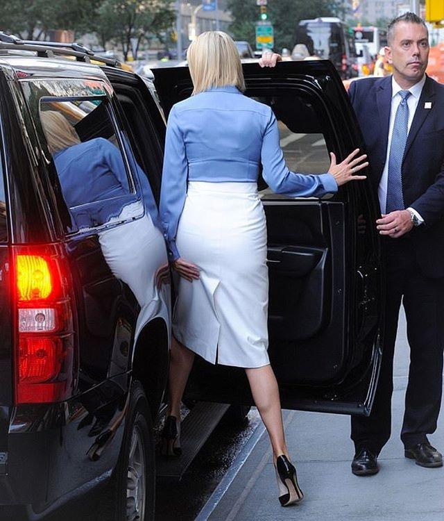 Ivanka Trump bi nghi khong mac ao nguc, gay tranh cai hinh anh 2