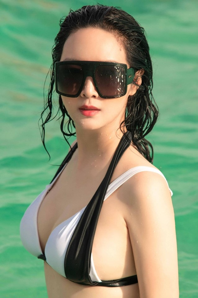 Ha Kieu Anh va nhung sao Viet tuoi U40, U50 ton dang voi ao tam hinh anh 2