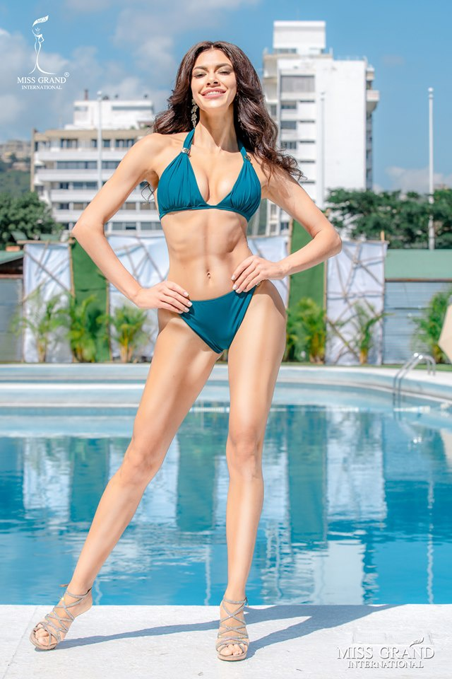 Kieu Loan thi bikini Hoa hau Hoa binh anh 10