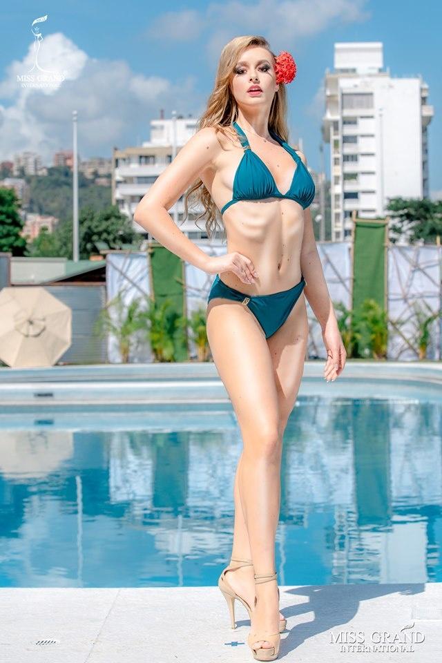 Kieu Loan thi bikini Hoa hau Hoa binh anh 11