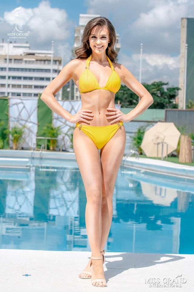 Kieu Loan thi bikini Hoa hau Hoa binh anh 4