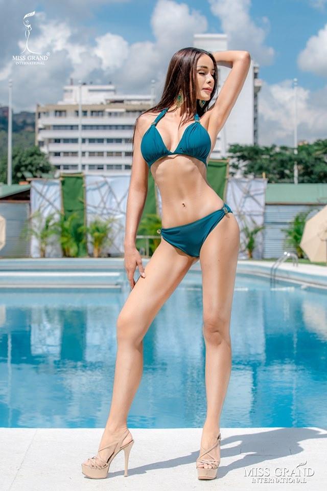 Kieu Loan thi bikini Hoa hau Hoa binh anh 2