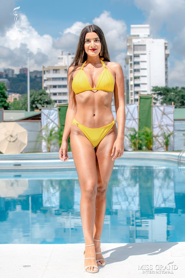 Kieu Loan thi bikini Hoa hau Hoa binh anh 6