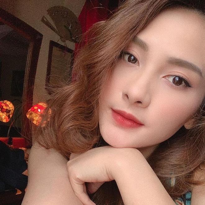 Bao Thanh cham dang anh mac ao tam hinh anh 9
